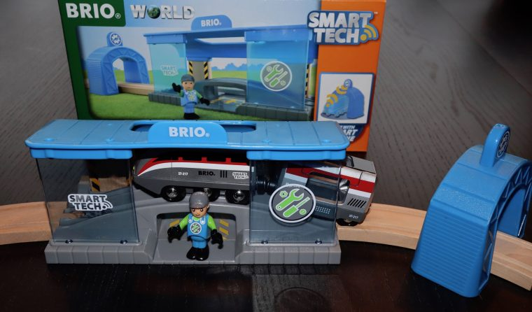 Brio World Smart Tech Werkstatt Smart Railway Workshop